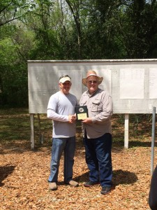 Paul presenting Bob Dye with the Hunter Pistol 1st Place award