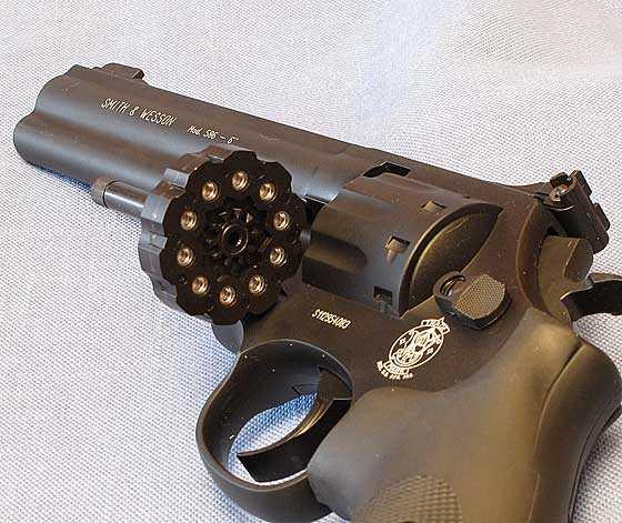 Smith & Wesson 686 CO2 revolver | Air gun blog - Pyramyd Air Report