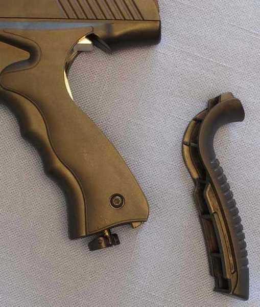 Umarex MORPH 3X Pistol CO2 compartment
