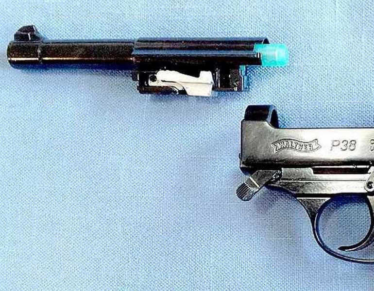 Walther P38 BB pistol barrel off