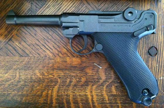 Umarex P-08 BB pistol
