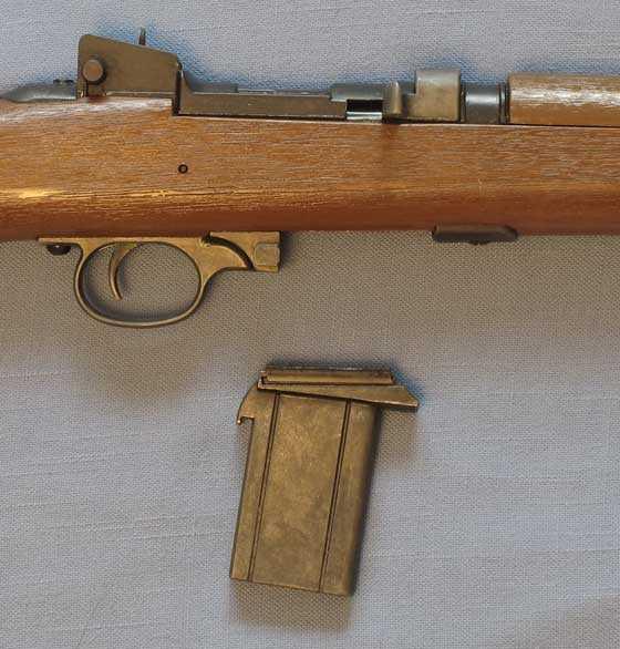 Crosman M1 Carbine magazine out