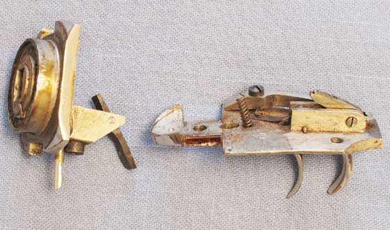 Bugelspanner trigger plate and cylinder back plate