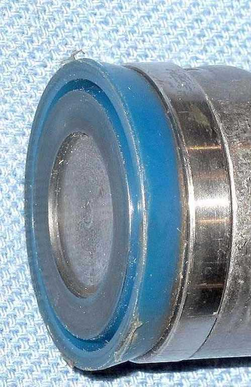 spring piston seal detail