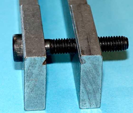 Rail Lock compressor rails