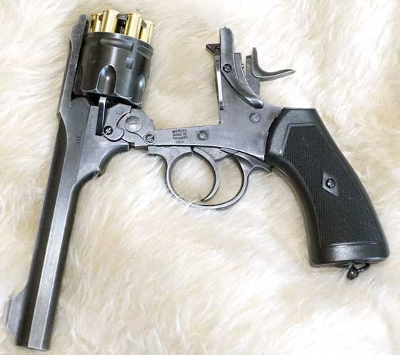 Webley Mark VI open