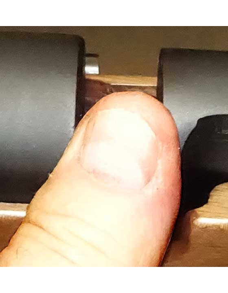 Proxima probe with thumb